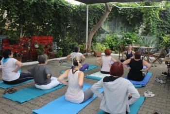 Adalar Kültür Derneği'nde Yoga Dersleri Başladı